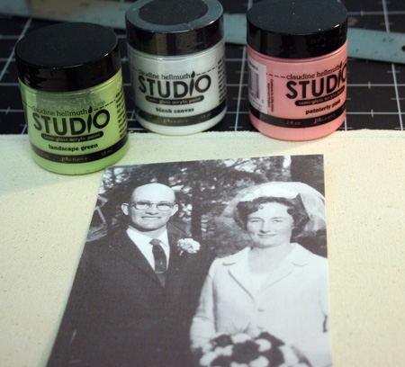 Studio-paints-canvas-page
