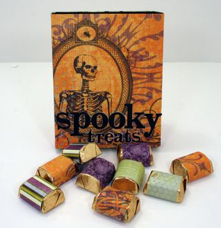Spooky Treats sliding matchbox closed