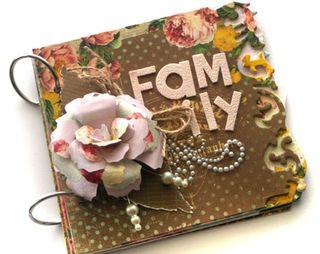 Family-die-cut-album