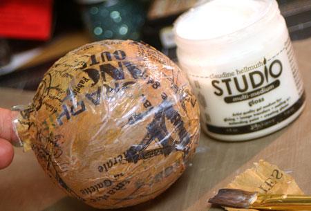 Vintage-ball-tissue-applica