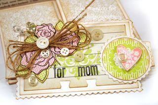 Mom-card-band-detail