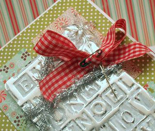 Embossed-metal-christmas-de