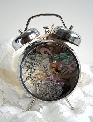 Holtz-clock-julia-stainton