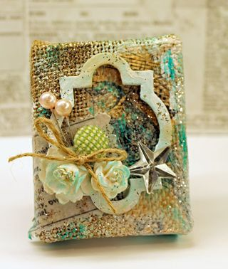 Shabby-bird-burlap-canvas