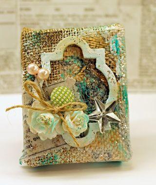 Shabby-bird-burlap-canvas