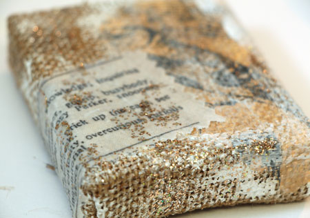 Burlap-canvas-with-glitter
