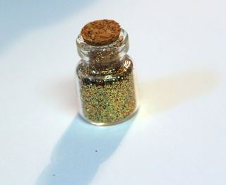 Glitter-in-glass