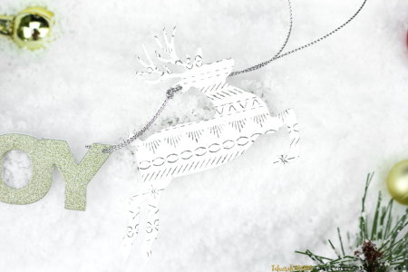 Stitches-Reindeer-Christmas-Tag-Detail-by-Taheerah-Atchia-001