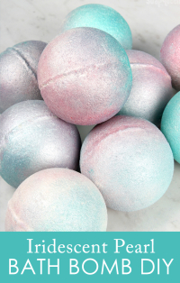 Iridescent-Pearl-Bath-Bomb-DIY
